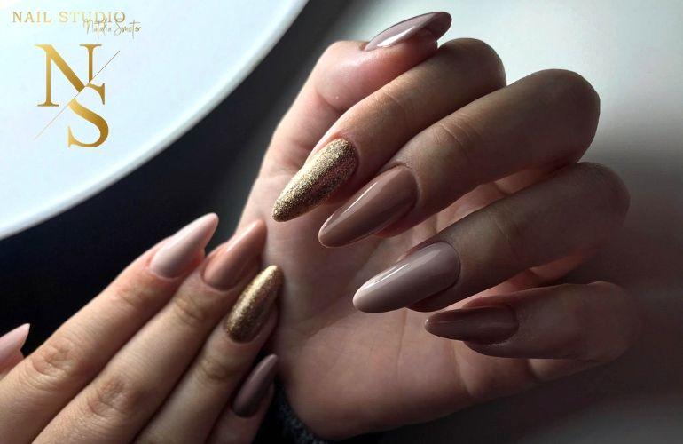 metamorfoza paznokci, manicure żelowy, żelowe paznokcie nude