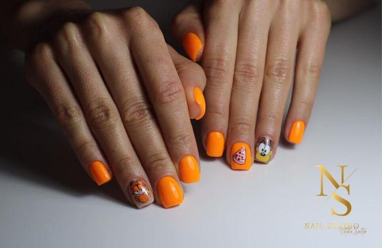 paznokcie neon, noenowe paznokcie, pomarańczowe paznokcie, paznokcie garfield